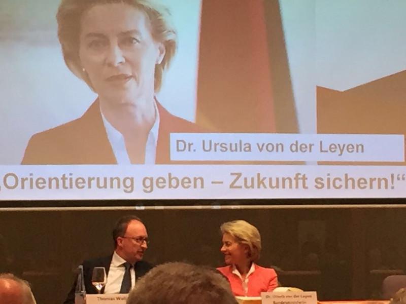 Ursula von der Leyen und Thomas Wallau